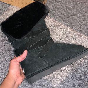 Brand New Lamo Leather boots Faux Fur Cozy